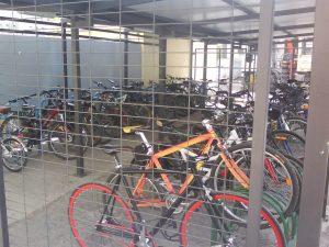 Aparcamiento para bicicletas contra el robo, el vandalismo y la intemperie en el Hospital Virgen de las Nieves