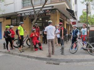 Conducción de la bicicleta en la calzada
